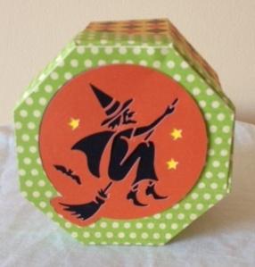 Halloween box 4
